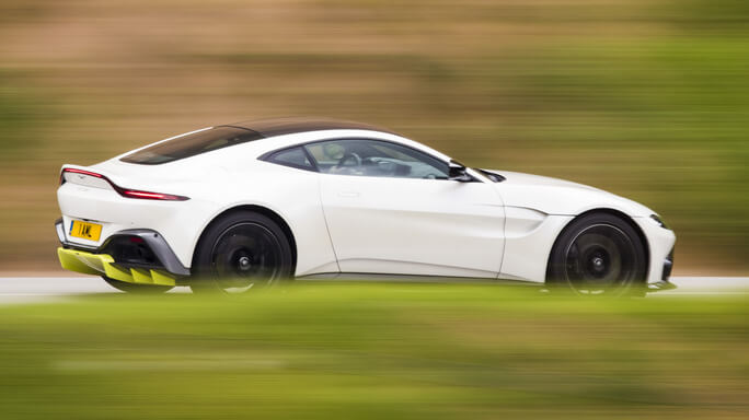 aston martin vantage new Side