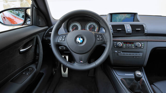 bmw M1 coupe 2011 Interior