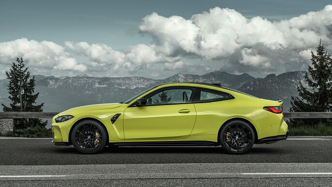 bmw M4 new Side