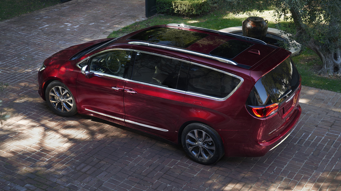 chrysler pacifica new Rear