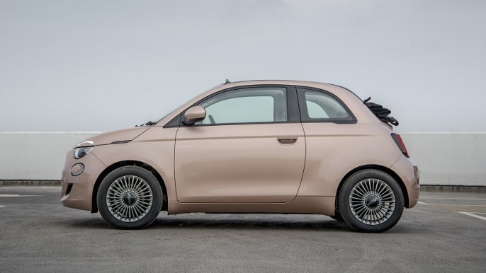 fiat 500 cabriolet new Side