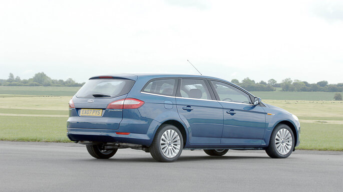 ford mondeo SW 2008 Side