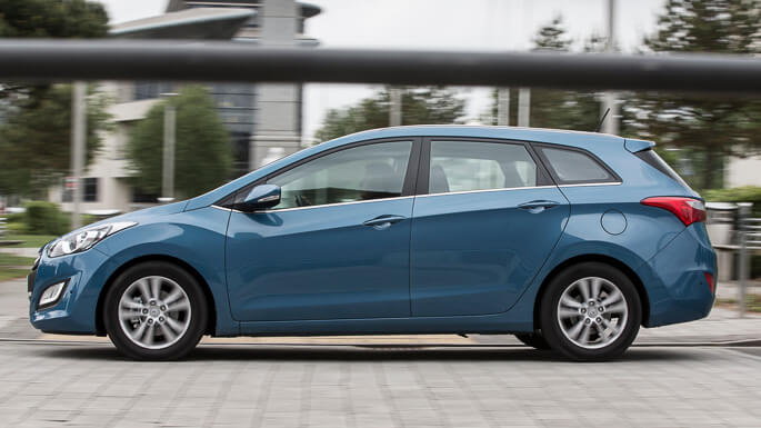 hyundai i30 cw 2012 Side