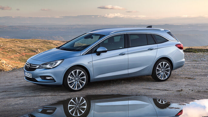 opel astra tourer new Front