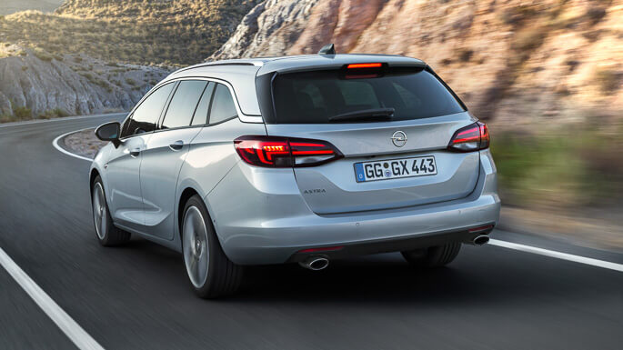 opel astra tourer new Rear