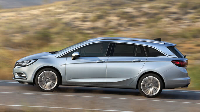 opel astra tourer new Side