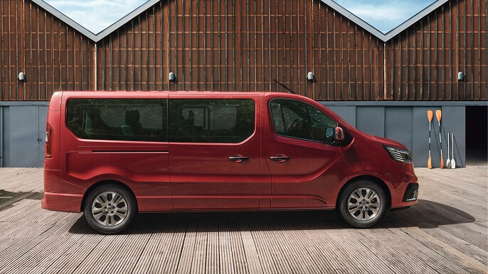 renault trafic new Side