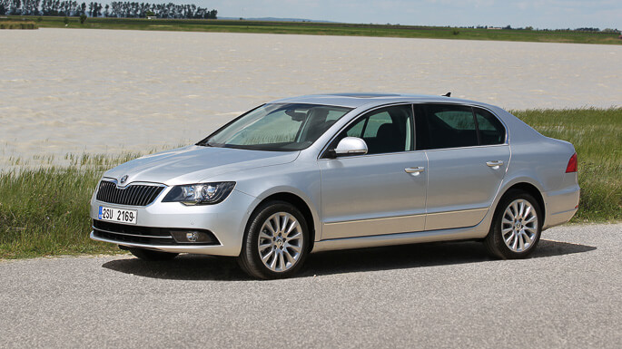 skoda superb 2009 Side