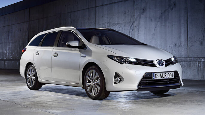 toyota auris touring sports 2014 Front