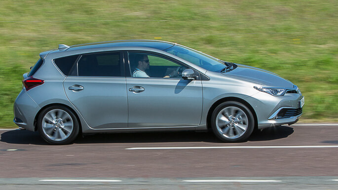 toyota auris new Side