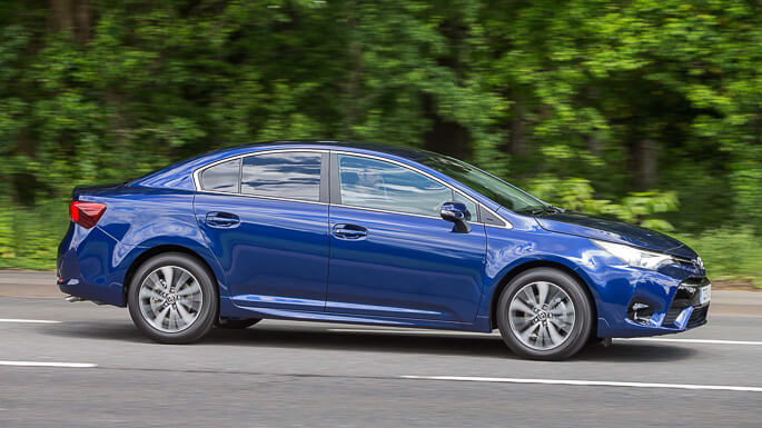 toyota avensis new Side