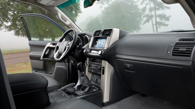 toyota land cruiser 2010 Interior