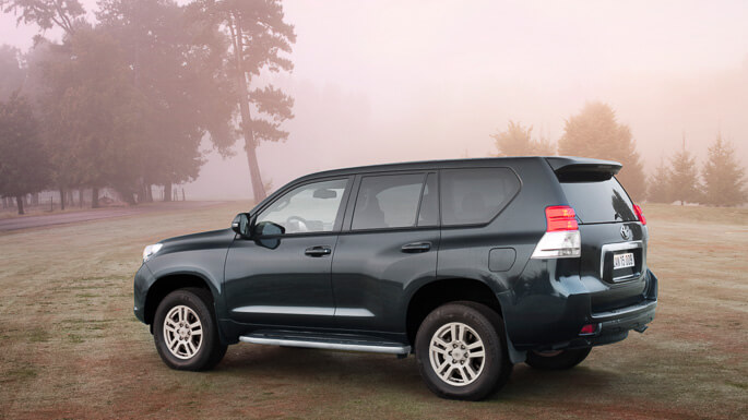 toyota land cruiser 2010 Side