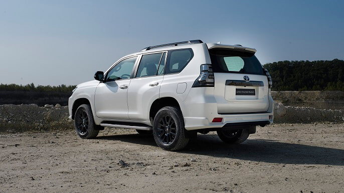 toyota land cruiser new Rear