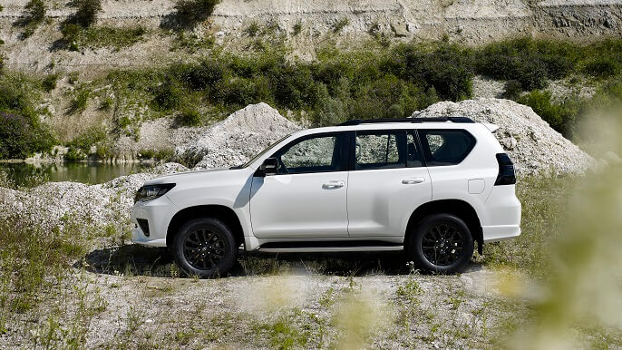 toyota land cruiser new Side