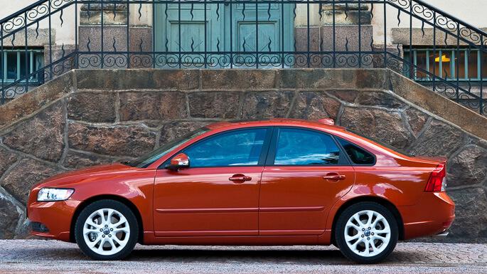 מודרניסטית מידע מקיף ומקצועי על וולוו S40 2004-2012 - אתר iCar BY-05