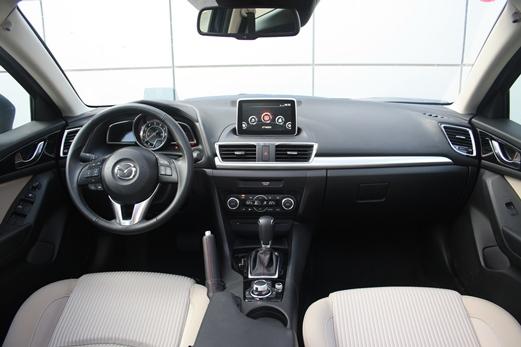 מגה וברק מבחני רכב - מאזדה 3 מנוע 2.0 ליטר - מבחן רכב - iCar RH-06