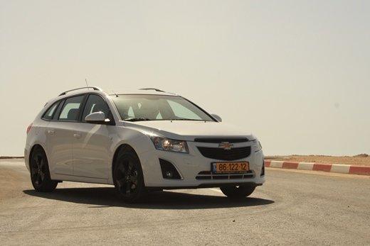 מפוארת מבחני רכב - שברולט קרוז סטיישן - מבחן וידאו - iCar II-26
