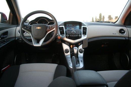 מתוחכם מבחני רכב - שברולט קרוז - מבחן רכב - iCar CM-51