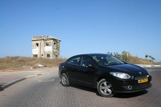 מודיעין מבחני רכב - רנו פלואנס 2.0 ליטר - מבחן רכב - iCar AP-86